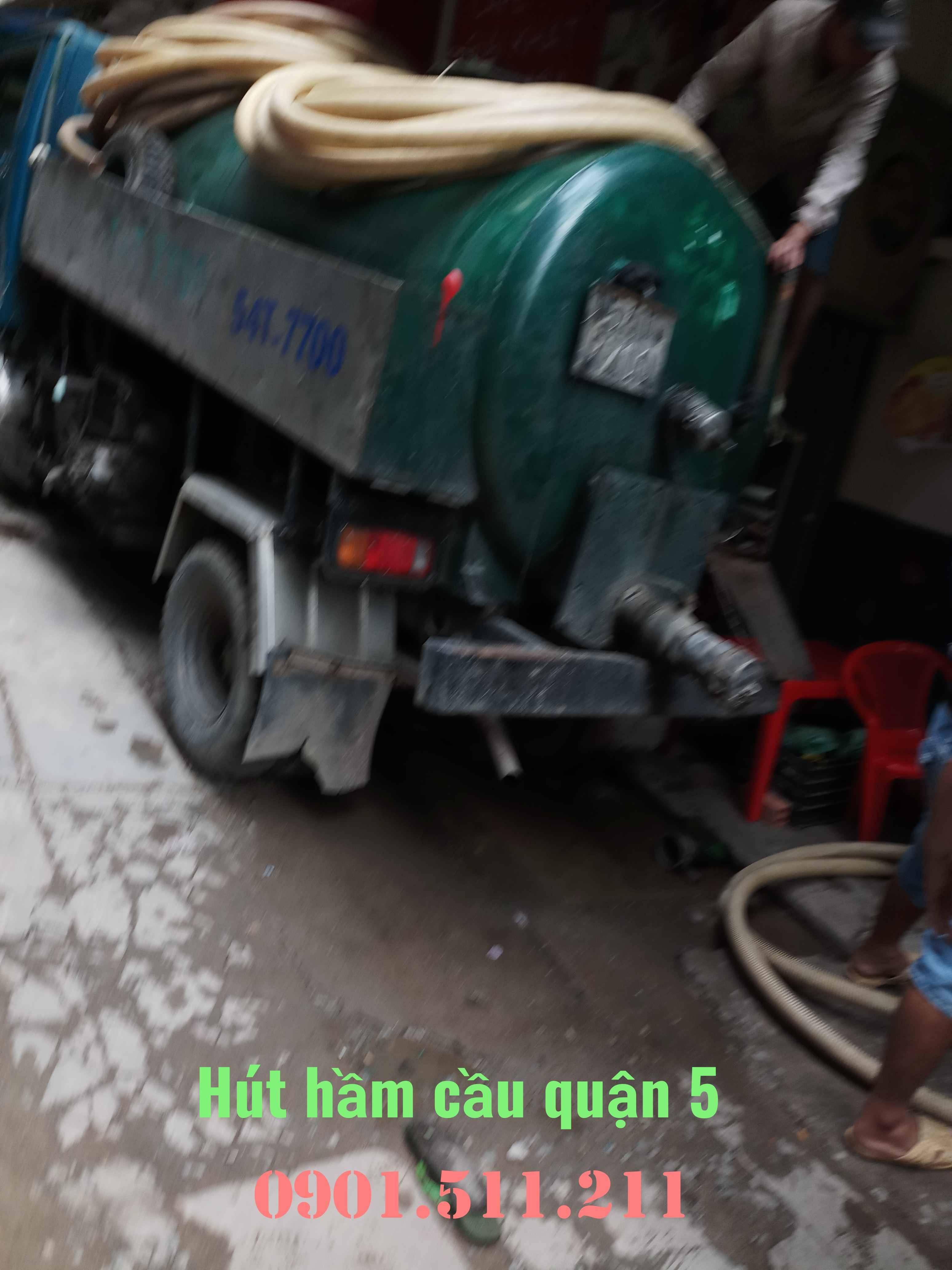 Hút hầm cầu quận 5 giá rẻ uy tín HOÀNG LONG 0901511211