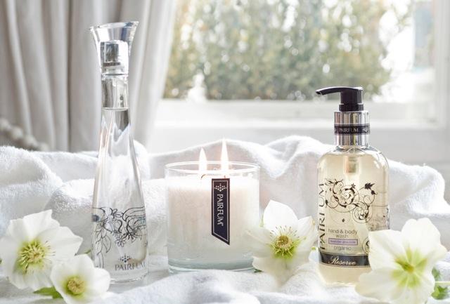 Khử mùi hôi nhà vệ sinh bằng nước hoa.
