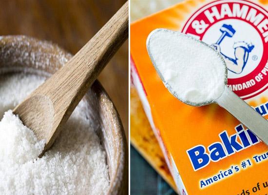 Sử dụng muối trắng hoặc baking soda.