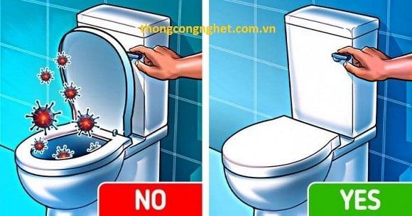 Lý do nhất định phải đậy nắp bồn cầu khi xả nước.