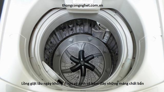 Lưu ý khi vệ sinh máy giặt.
