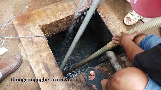 Các dấu hiệu nhận biết hầm cầu bị đầy nước.