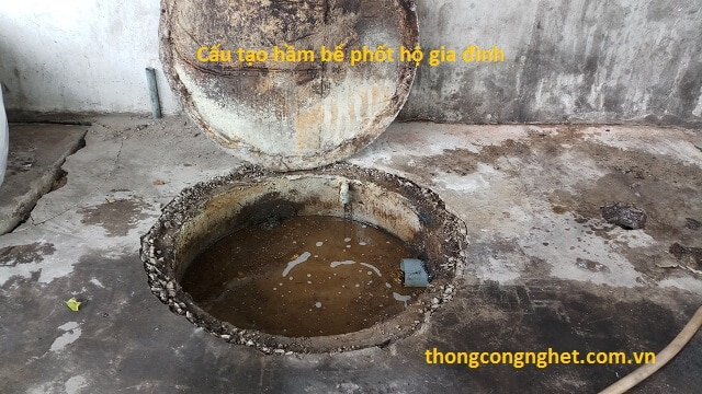 Vì sao hầm bể phốt bị đầy và bốc mùi?