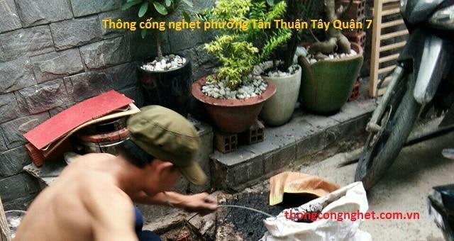 Quy trình thông cống nghẹt phường Tân Thuận Đông tại Quận 7.