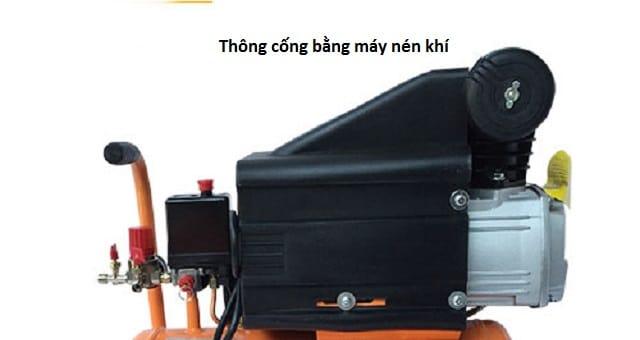 Phương pháp thông cống bằng máy nén khí.