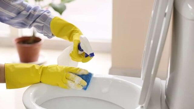 Công dụng vệ sinh hàng loạt vật dụng trong phòng tắm