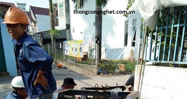 Quy trình thực hiện thông nghẹt cống tại Long Xuyên, An Giang.